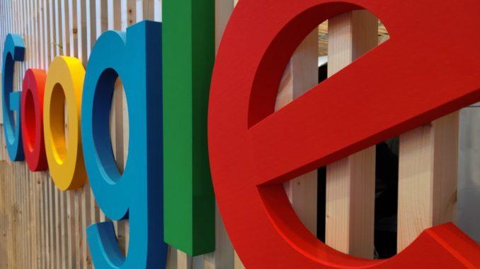 L'Union européenne ouvre de nouvelles enquêtes contre Facebook et Google