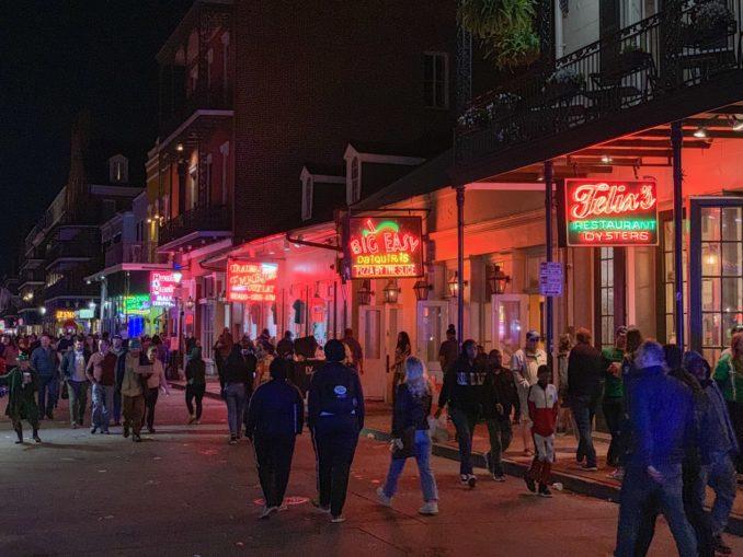Dans les rues de la Nouvelle Orléans, aux Etats Unis.