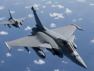 Des avions rafales en formation dans le ciel (crédits : Dassault Aviation).